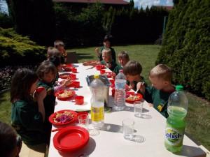 Mittag im Garten Tischlerei